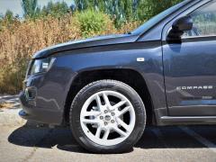 https://www.autoroyal.es/media/com_expautospro/images/big/turismos_todo_terrenos_y_furgonetas_jeep_compass_5f0d978979fdc.JPG
