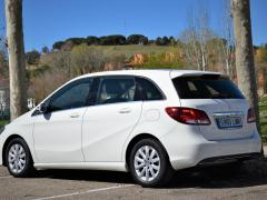 https://www.autoroyal.es/media/com_expautospro/images/big/turismos_todo_terrenos_y_furgonetas_mercedes_b_180_604b5e5305657.JPG